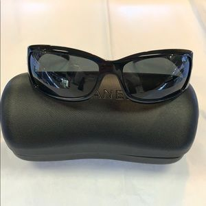 Chanel black sunglass